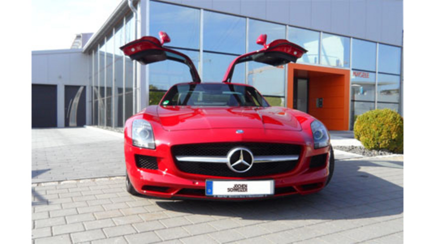 Mercedes SLS AMG Fluegeltuerer fahren