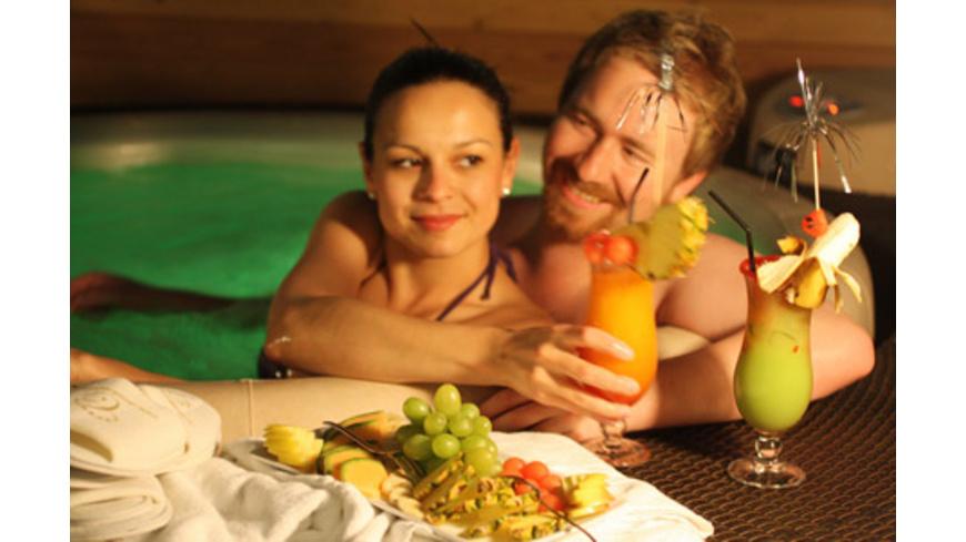 Private Whirlpool Lounge für 2 in Steyr