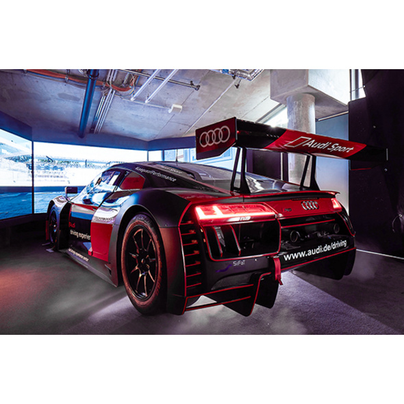 Audi R8 LMS Rennsimulator in Berlin (30 Min.)