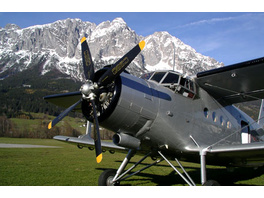 Nostalgie-Rundflug über die Alpen: Wien-Venedig