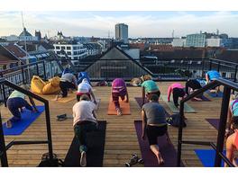 Yoga an spektakulaeren Orten in München